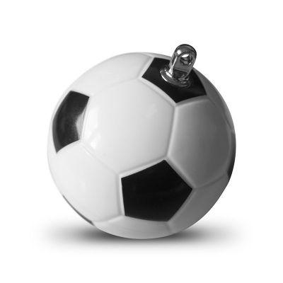 Nic tak nie cieszy kibiców, jak widok piłki nożnej. Nasza piłka dodatkowo kryje w sobie pendrive, dzięki któremu sportowe emocje już zawsze będą dla nich dosłownie na wyciągnięcie ręki.
