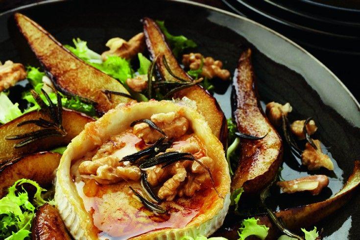 Pascale Naessensis de best verkopende culinaire schrijfster van Vlaanderen en dat is niet voor niets: haar boeken draaien om gezond eten, met heerlijke recepten die makkelijk te bereiden zijn. Goede voedselcombinaties en gezonde vetten eten, dat is de kookfilosofie van Pascale. Het is geen dieet, maar een manier van eten die je gezondheid ten goede …