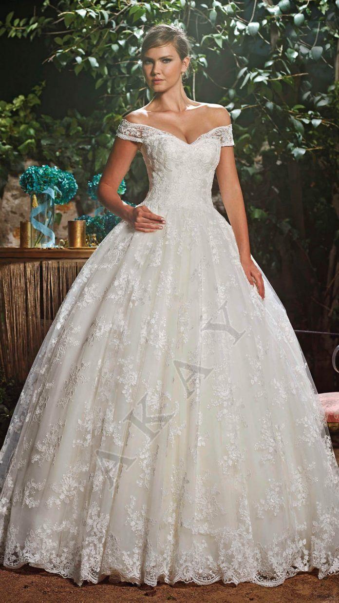 a39a0215203f6 Eteği Dantelli Prenses Gelinlik Modelleri ve Birbirinden Güzel Tasarımları