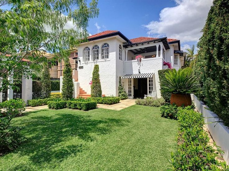 Spanish Mission house at 15 Henry St, Ascot, Qld 4007