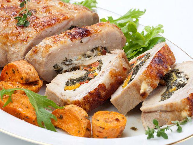 C'è tutto il gusto della tradizione culinaria romana in questa squisita ricetta: è la nostra rollatina di pollo arricchita con profumate spezie e un ripieno gustoso. Che ne pensi?