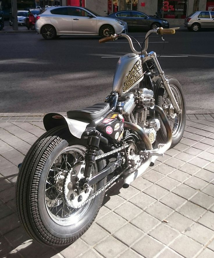 Custom Harley-Davidson XL Sportster 1991-2003 | Frisco style gas tank | One-off solo seat Sporster bobber japan style kustom chain conversion Padu lowbrow supernarrow warriors handmade homemade Shinko E270 velocity stack