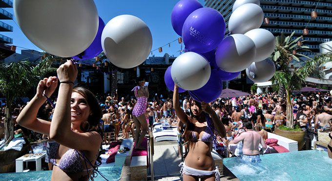 High Roller Suites bring you their top 10 recommendations for the best 2014 Las Vegas Pool Parties including Wet Republic, Marquee Dayclub, Daylight...