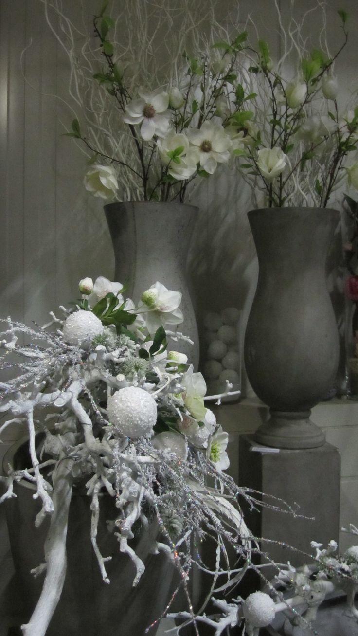 decoratiestyling met witte decoratietakken, mooi plaatje. www.decoratiestyling.nl