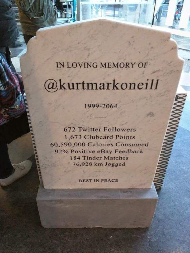 La pierre tombale du futur