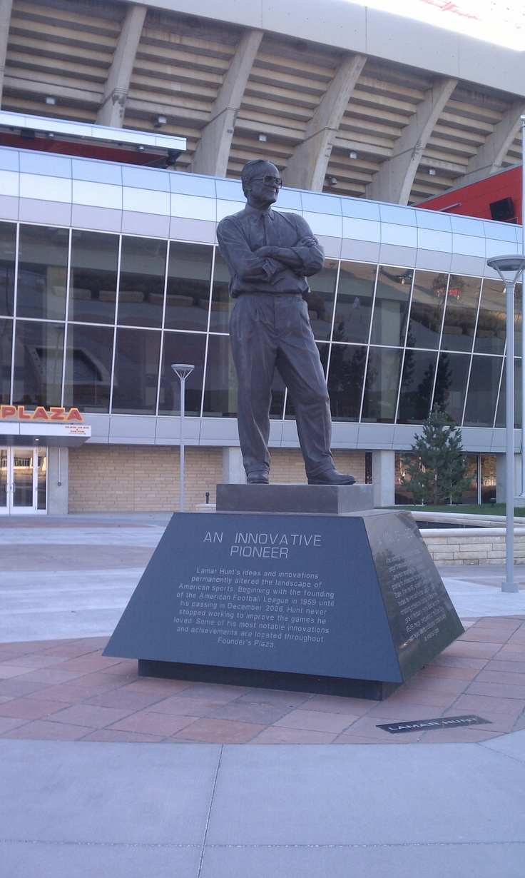 The Lamar Hunt statue outside Arrowhead Stadium in Kansas City, MO.