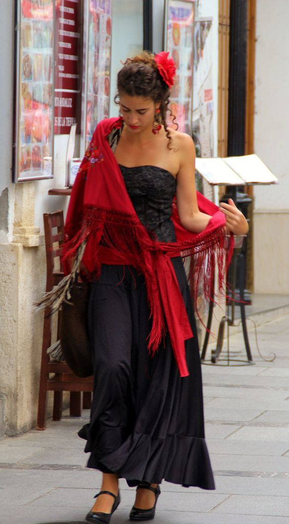 25 best ideas about flamenco dresses on pinterest. Black Bedroom Furniture Sets. Home Design Ideas