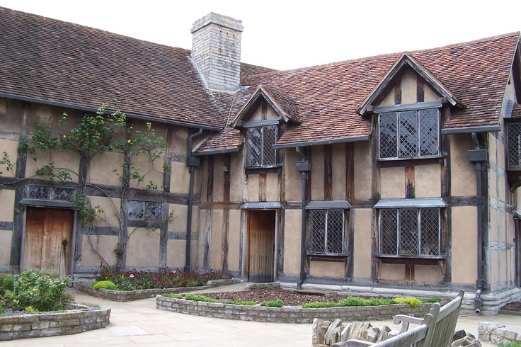 Stratford-Upon-Avon, England.  This is the house where Shakespeare was born. Such a cute town......