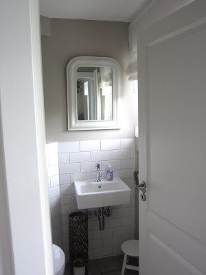 I like this plain and simple Cloakroom