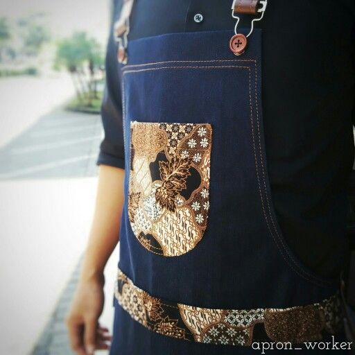 Batik is not an exclusive thing, not a segmented items. Batik is about how we gratitude and honor the process.  We are just made it one by one, not only by our hand but by our heart, for you.  Apron barista × Batik First design by @apron_worker , check out our account instagram @apron_worker  #barista #apron #baristaapron #apronbarista