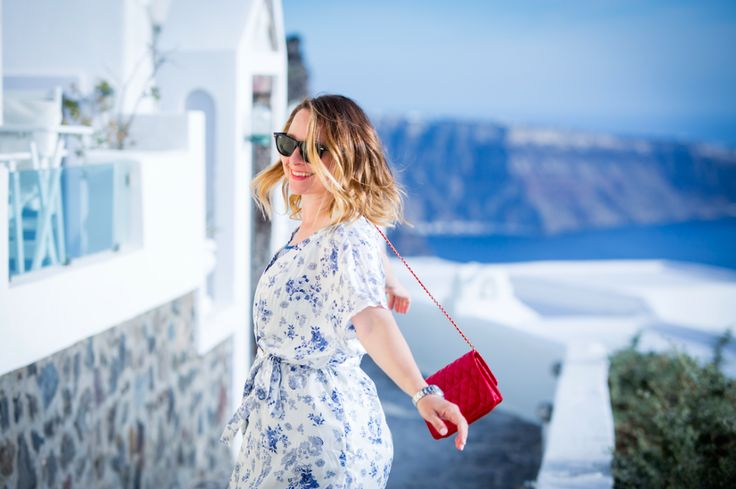 Korina Vrousia by Intimissimi Loves Santorini Awarded Campaign by Hotel Brain