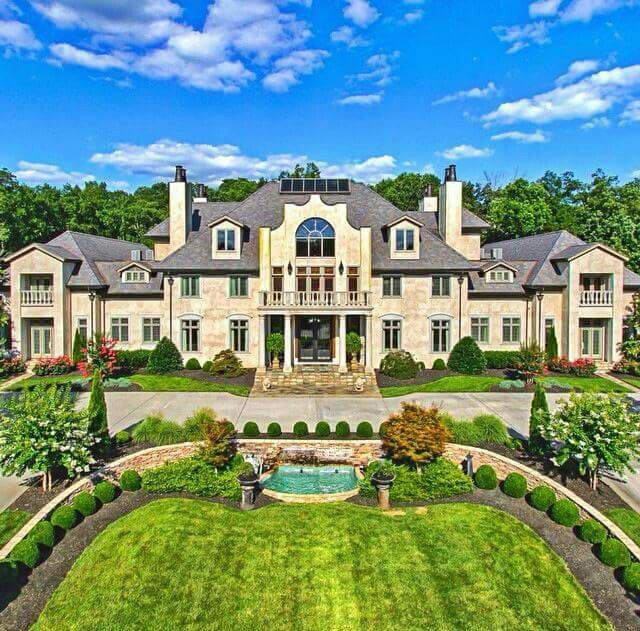 2345 best mega mansions images on pinterest luxury for Images of beautiful mansions