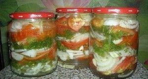 Bez žádného zavařování: udělejte si nakládané rajčata s cibulí v chutném sladkokyselém nálevu. Jedinečný recept!!