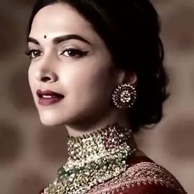 Watch! Deepika Padukone looks stunning in this traditional wear! | PINKVILLA