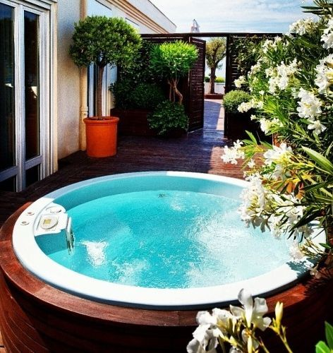 Relax with penthouse life at Grand Hyatt Cannes Hotel Martinez.