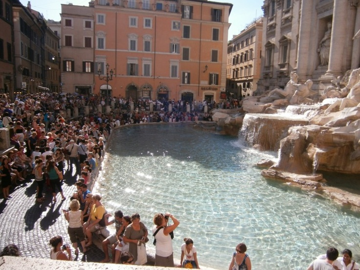 Day 2 'Photo in July' - Busy.... Rush hour at the Trevi Fountain, Roma, Italia. They say if you toss 2 coins into the fountain you'll return to Italia some day... I didn't take any chances and threw in all the spare coins I had!