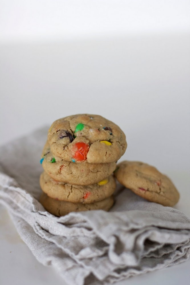 Quick and easy gluten free peanut butter M&M; cookies.: Butter M M, Keep It Simple, Easy Gluten Free, Easy Cookie Recipes, Free Peanut, Easy Cookies Recipes, M M Cookies, Gluten Free Cookies, Peanut Butter