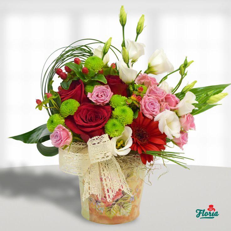 Aranjament floral cu dantela