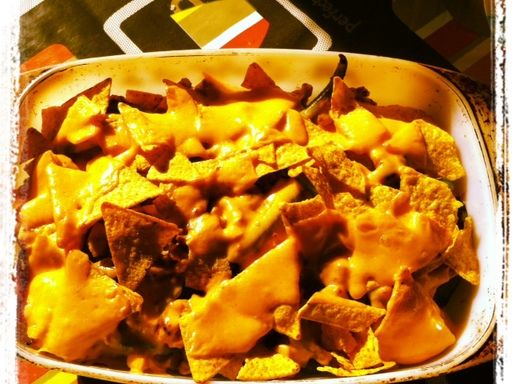 Nachos au poulet ! Ce plat est juste une tuerie culinaire testé juste hier soir et la famille a validé :-)