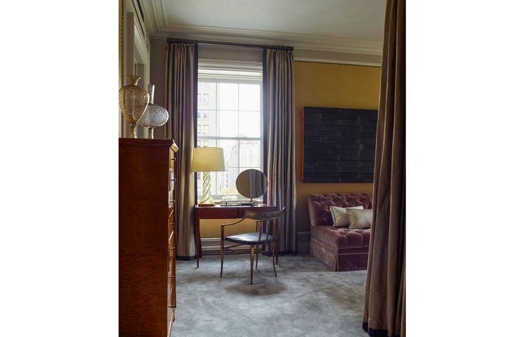 Office Sofa | Modern Sofas #chesterfieldsofa #velvetsofa