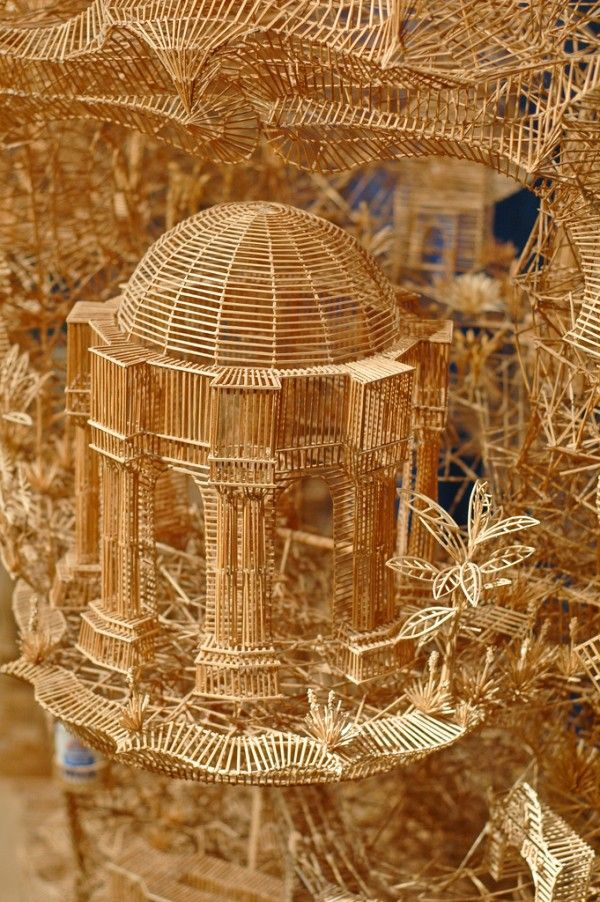 uqLOOK - video of an astonishing work of art. One man, 100,000 toothpicks, and 35 years: An incredible kinetic sculpture of San Francisco by Scott Weaver. Multiple tours of the sculpture by ping-pong balls. Seriously, have a look.