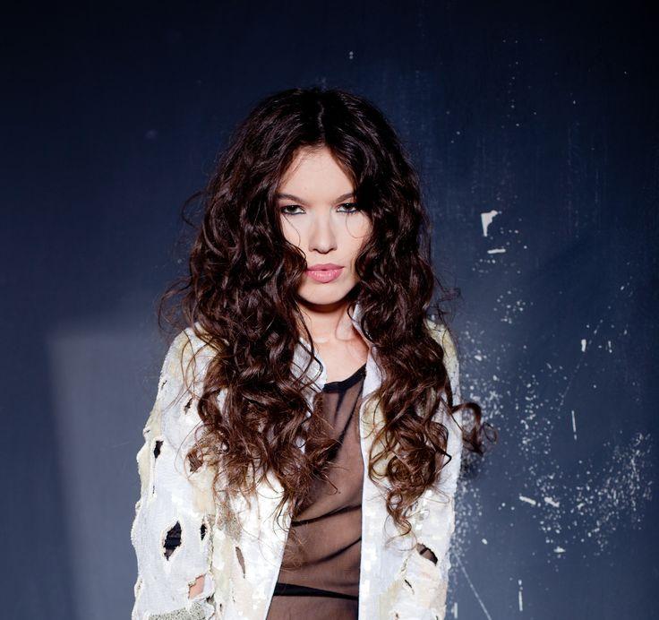 photo: Matusciac designer: Silvia Terziu model: Roxanne Lys