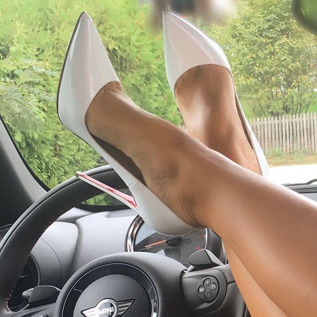 Loubis on Tour Happy Thursday by @louboutinworld #highheels#heels#heelsaddict#heelscollector#iloveheels#louboutin#louboutins#instabeauty#bestoftheday#bestpic#picoftheday#instabest#instaladies#shoeporn#longlegs#sexylegs#feet#nylon#blondehair#longhair#luxurylady#ladyluxury#fashionaddict#fashionista#fashionblogger#fashionlover#followme#christianlouboutin#footmodel#shoefie