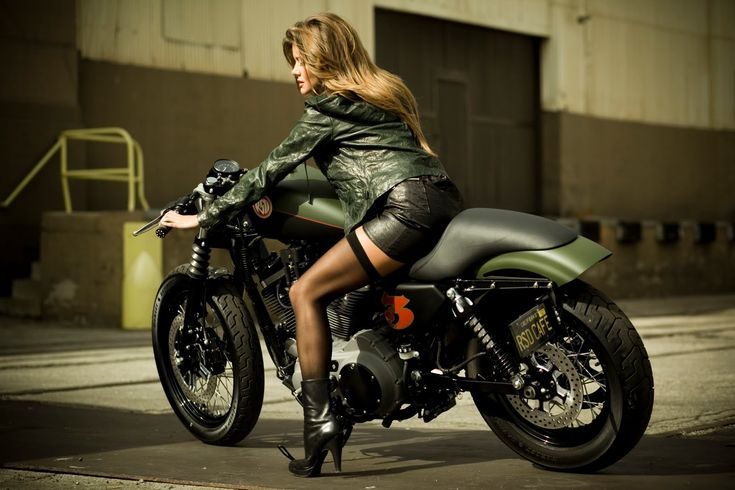 harley davidson pin up girls | motographite: ROLANDA on a ROLAND SANDS CUSTOM HD