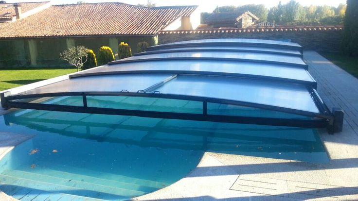 Disfruta de tu piscina al máximo y durante más tiempo al año instalando una cubierta baja Smart Low.