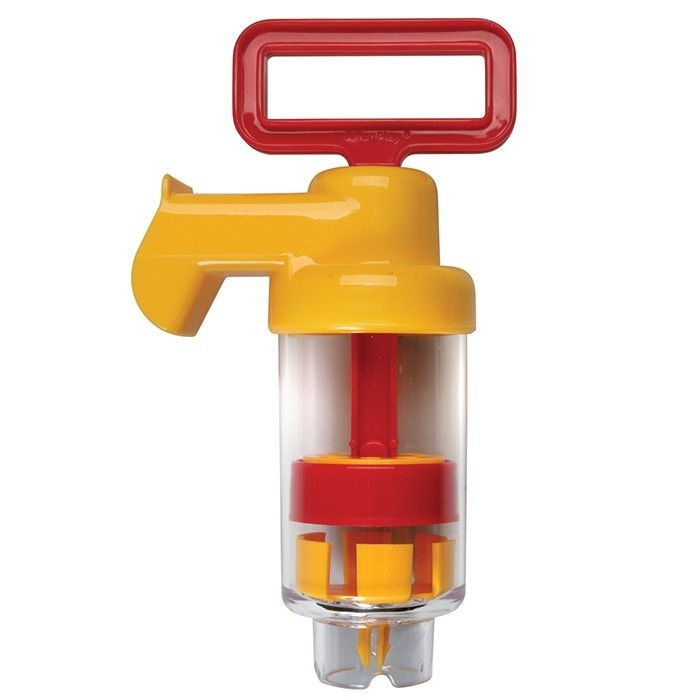 This pump has a large water capacity and clear barrel so children can see exactly how it works. Measures 28cm long.
