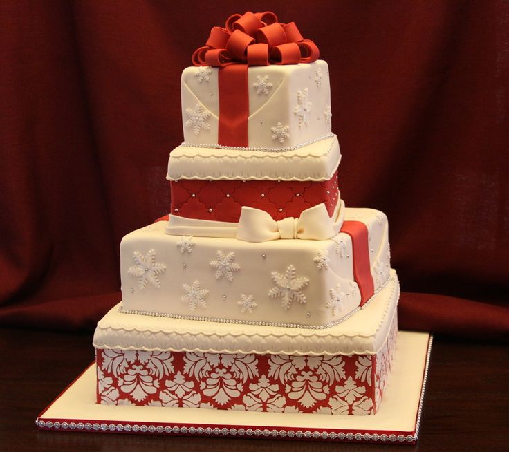 Christmas Wedding Cakes | ... cake but I talked her into doing a separate dummy cake for that :) TFL