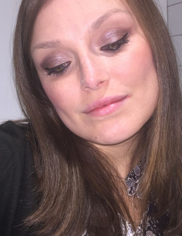 Make up del giorno 💄il rossetto è finito nel dimenticatoio 😅 #bellezzaprecaria #makeup #nolipstick #makeupoftheday #makeuplove #instamakeup #makeuplover #pic #picoftheday #photooftheday #me #selfie #myself #makeupaddict #eyemakeup #makeup