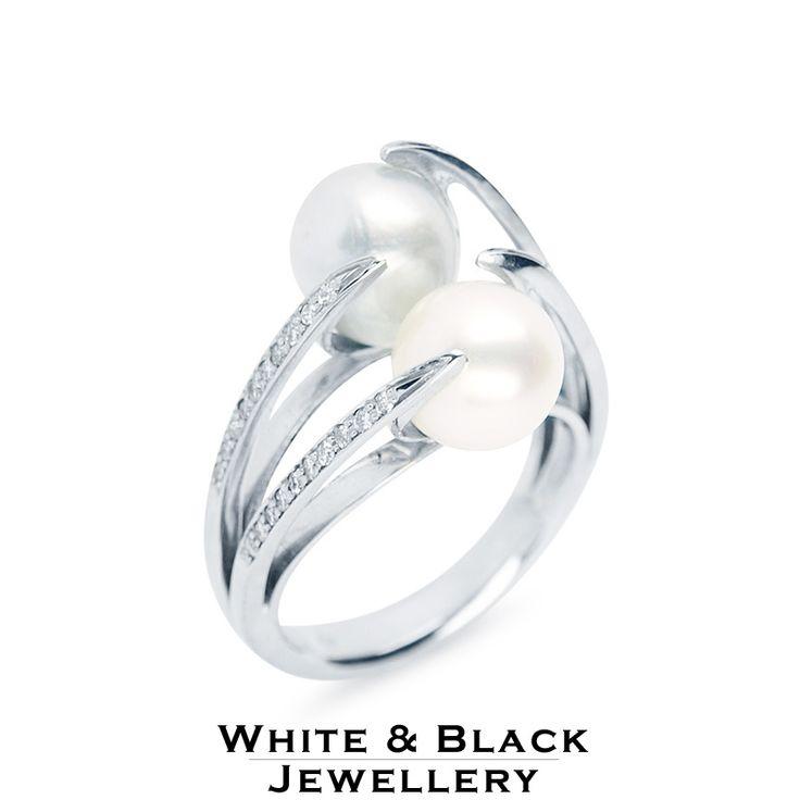 Gyémánt gyűrű két hatalmas igazgyönggyel - Diamond ring with two saltwater pearls