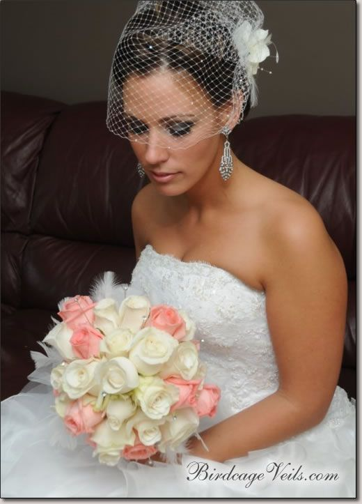 Birdcage Veil - Birdcage Veils: Wedding Veils, Liz Veils, Veils Birdcages, Flowers Veils Wedding, Gowns Veils, Pretty Bouquets, Birdcages Veils, The Birdcages, Diy Birdcages