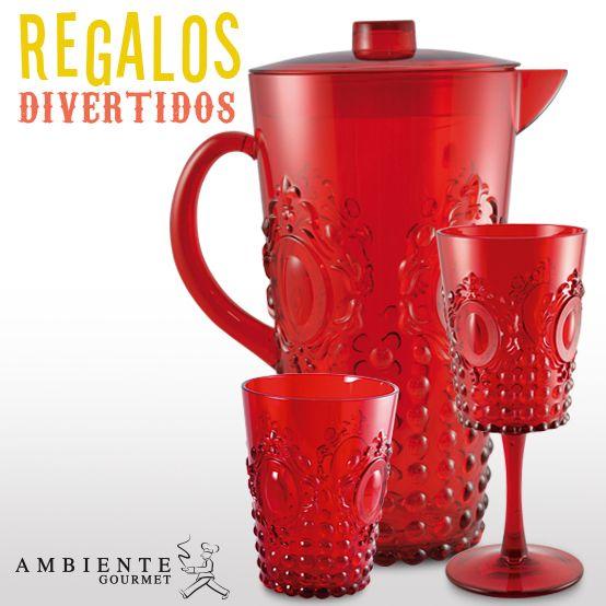 ¿Quien dijo que un picnic no podía ser romántico? Estas jarras, vasos y copas estilo Vintage en acrílico son perfectas para usar en exteriores.