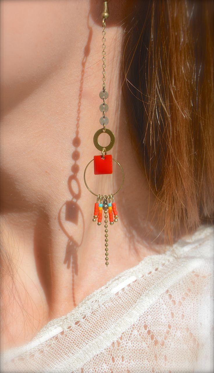 Boucles d'oreille carré émaillé et miyuki rouge, anneaux bronze -Bijoux ENORA-