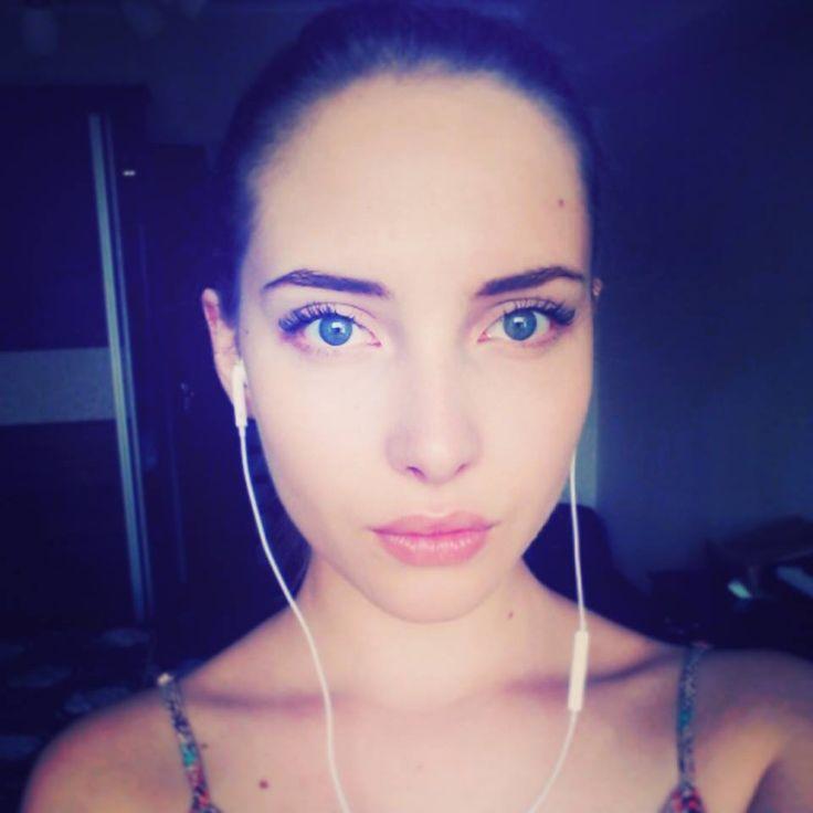 Esta chica rusa canta una balada en español y deja a todos enamorados (VIDEO)