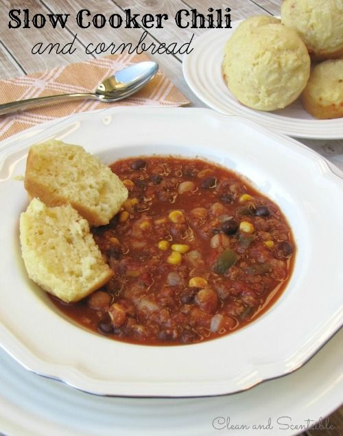 Slow cooker chili and cornbread recipe - perfect for fall! // cleanandscentsible.com