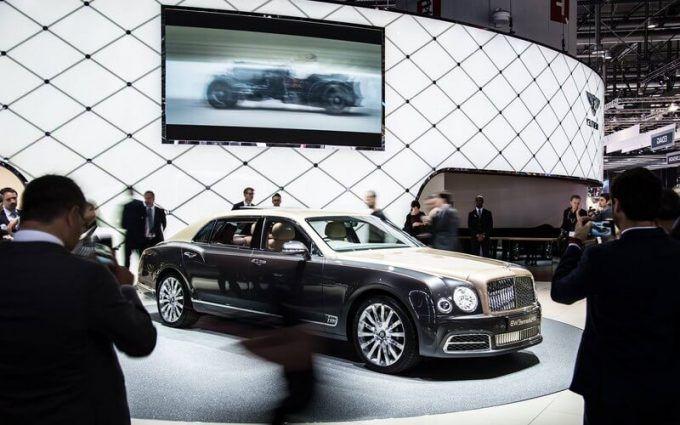 2017 Bentley Mulsanne Grand Limousine Pictures For Desktop   HD4Wallpaper.net
