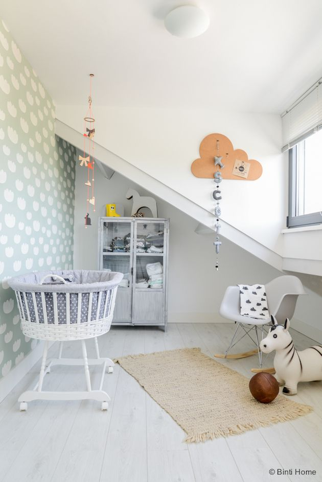 Une adorable chambre de bébé http://www.m-habitat.fr/par-pieces/chambre/amenager-une-chambre-pour-bebe-2623_A