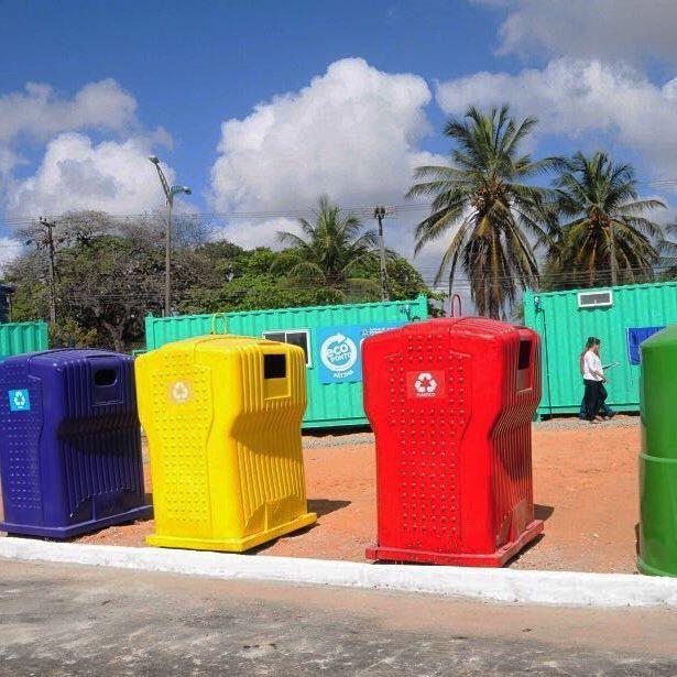 Inaugurado o primeiro Ecoponto de Fortaleza, espaço destinado ao descarte correto de resíduos sólidos. Cada pessoa poderá levar até 100 L/dia. Em breve, os materiais recicláveis entregues serão convertidos em descontos no transporte público, nas faturas de água e energia. Foto: Nely Rosa. #referencialverde #residuossolidos #reduzir #reciclar #reutilizar #cidadelimpa #descartecorreto #ecoponto #meioambiente #sustentabilidade #copiaessaideia