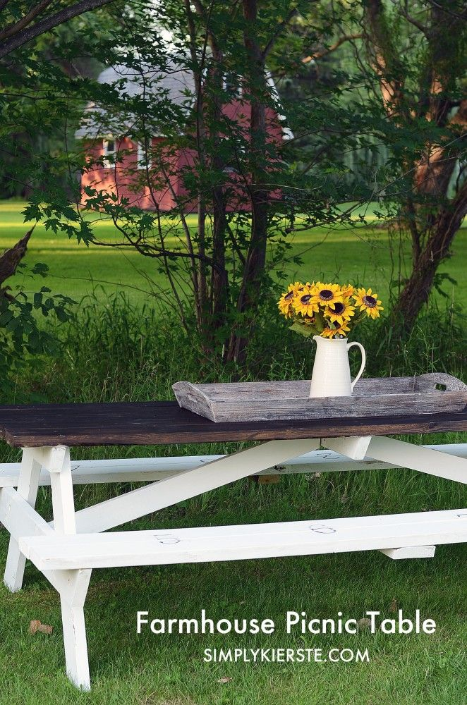 Farmhouse Picnic Table | Love this outdoor table!