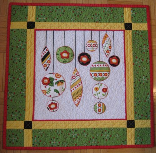 Best 25+ Christmas quilting ideas on Pinterest | Christmas ... : christmas quilt wall hanging - Adamdwight.com