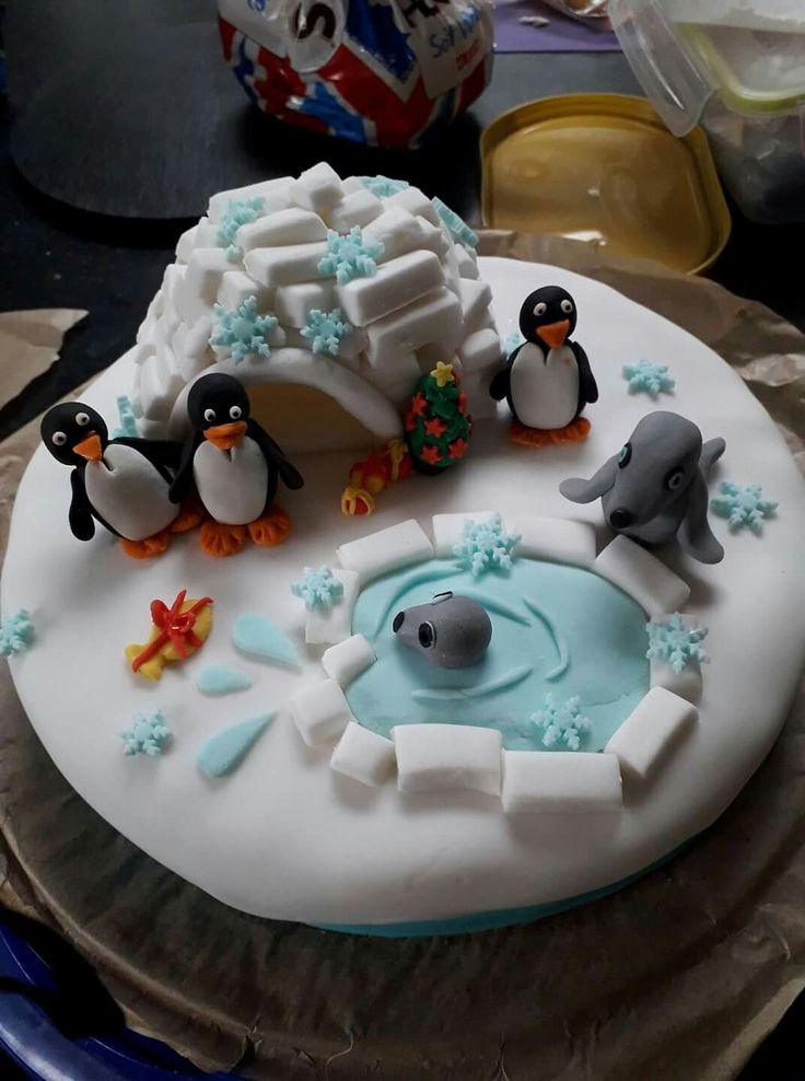 Christmas cake seals and penguins
