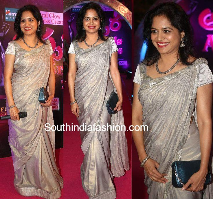 Singer Sunitha at Apsara Awards photo