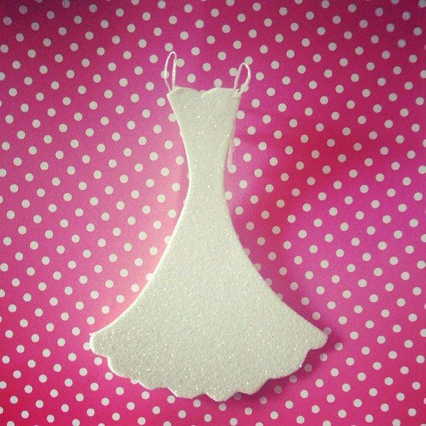 #portalpecaapeca #diy #craft #crafting #PaperCrafts #dress Follow us:  http://www.pecaapeca.com http://www.facebook.com/portalpecaapeca