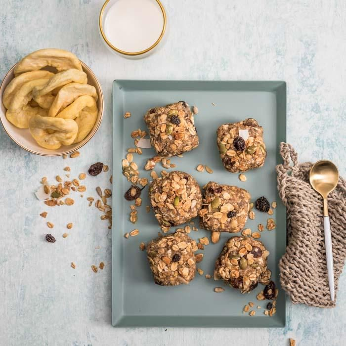 Youfoodz | Superfood Muesli Bites $4.95 | We've combined dried apple, oats, cashews, apple juice, maple syrup, sultanas, pepitas, slivered almonds & toasted muesli to create the perfect anywhere-anytime snack | #Youfoodz #HomeDelivery #YoullNeverEatFrozenAgain
