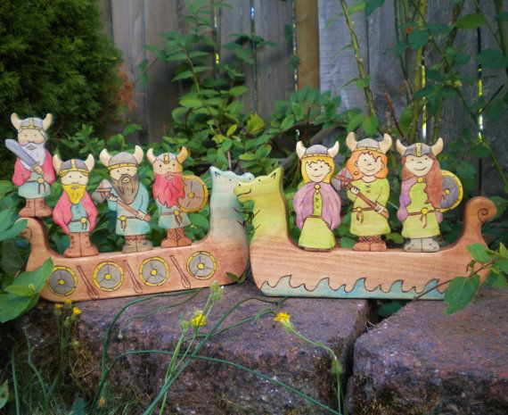 Set giocattolo di bambini vichinga in legno nave di YoureInspired