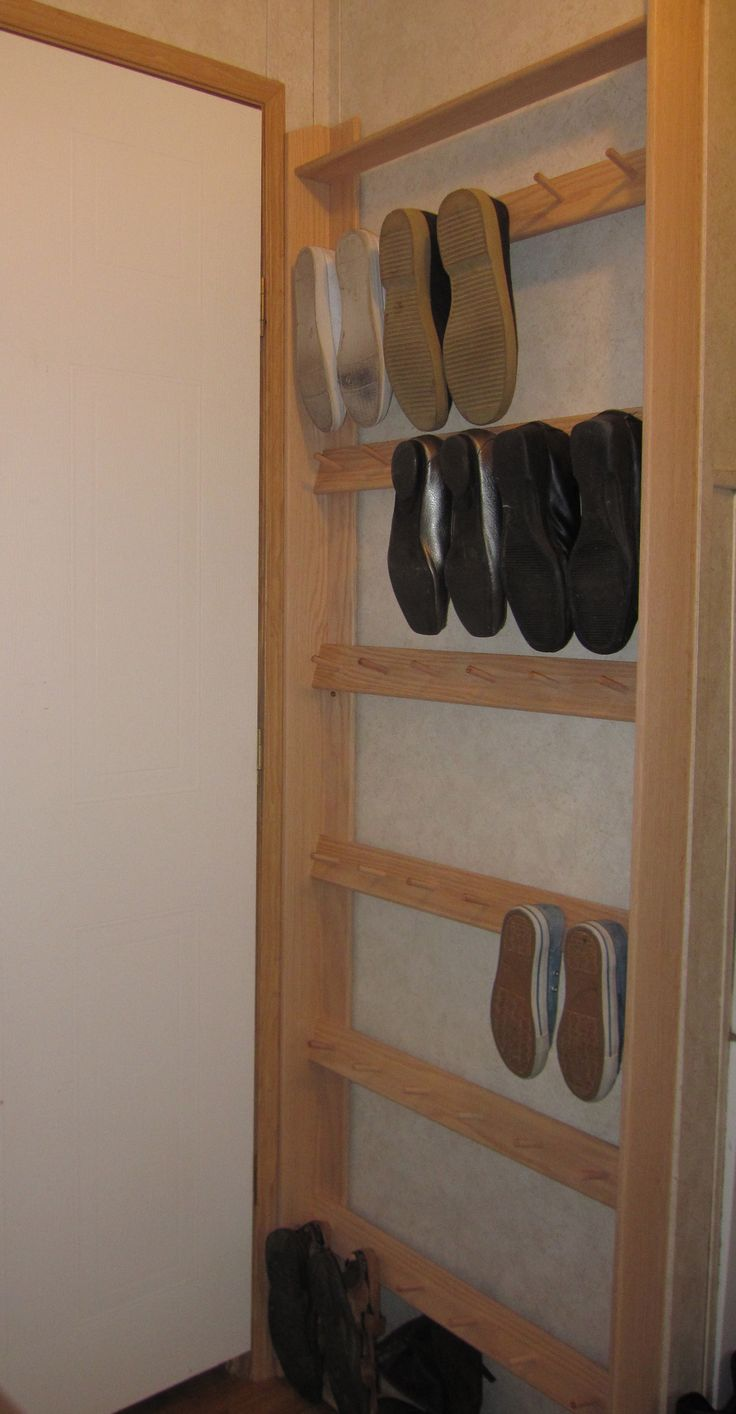 Shoe rack for flats!!!! i might tun an old door into this !!