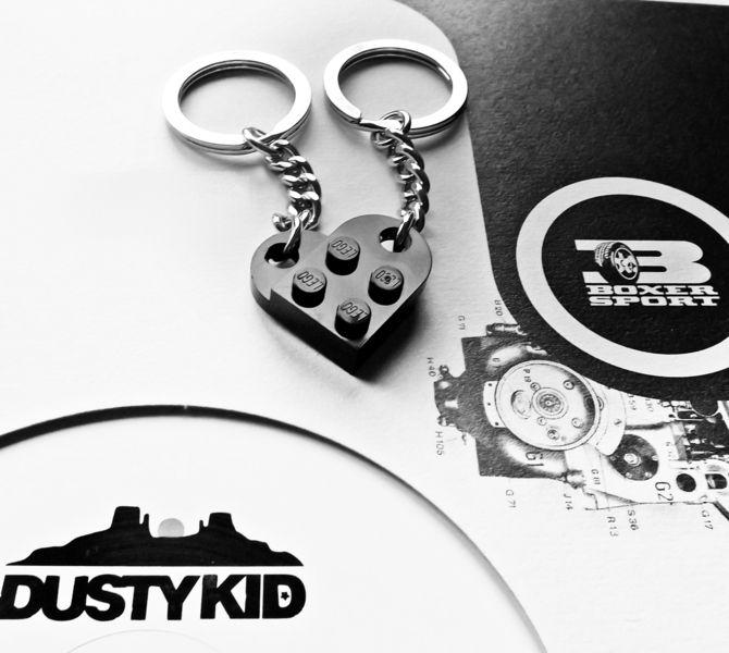 Schlüsselanhänger - Lego® Love ♥ Partner-Schlüsselanhänger *SCHWARZ** - ein Designerstück von Maedchenwerkstatt bei DaWanda